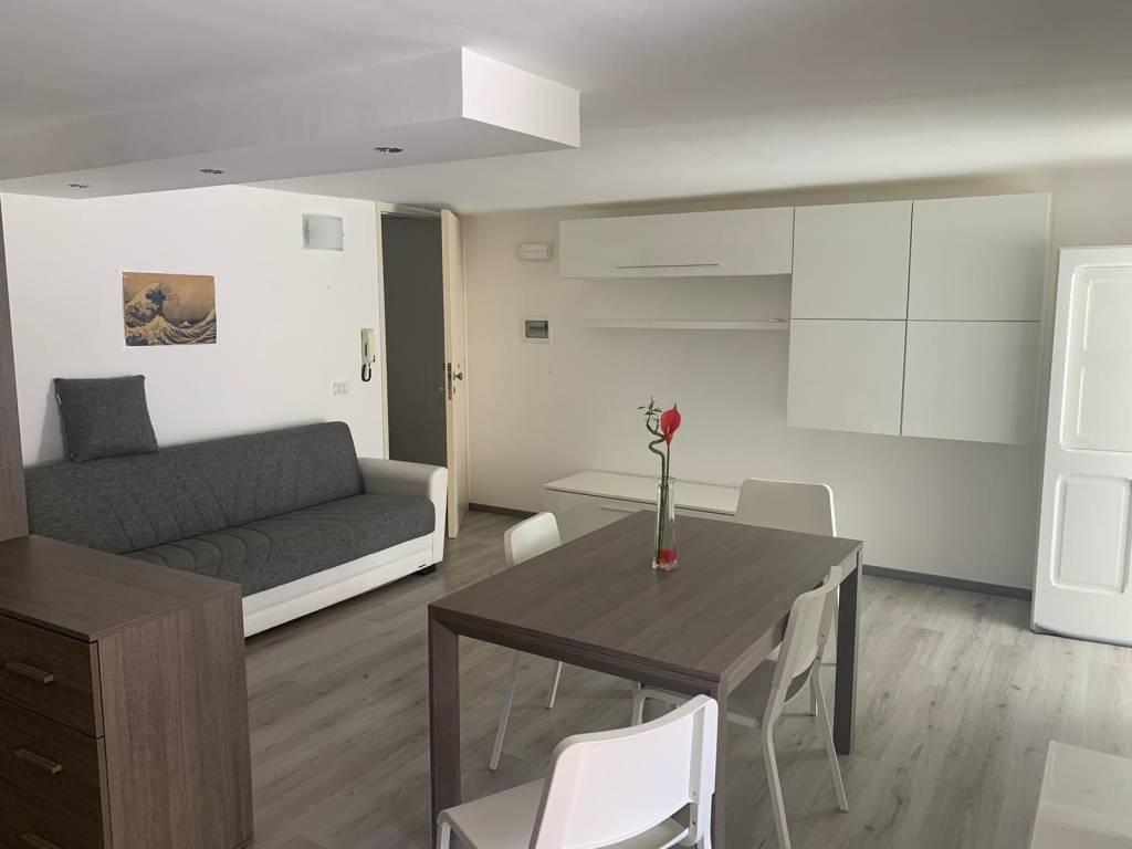 Appartamento in Affitto a Lecce Centro: 1 locali, 50 mq