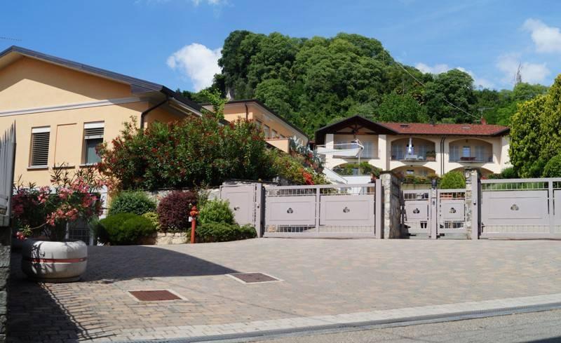Appartamento in vendita a Angera, 3 locali, prezzo € 149.000 | CambioCasa.it
