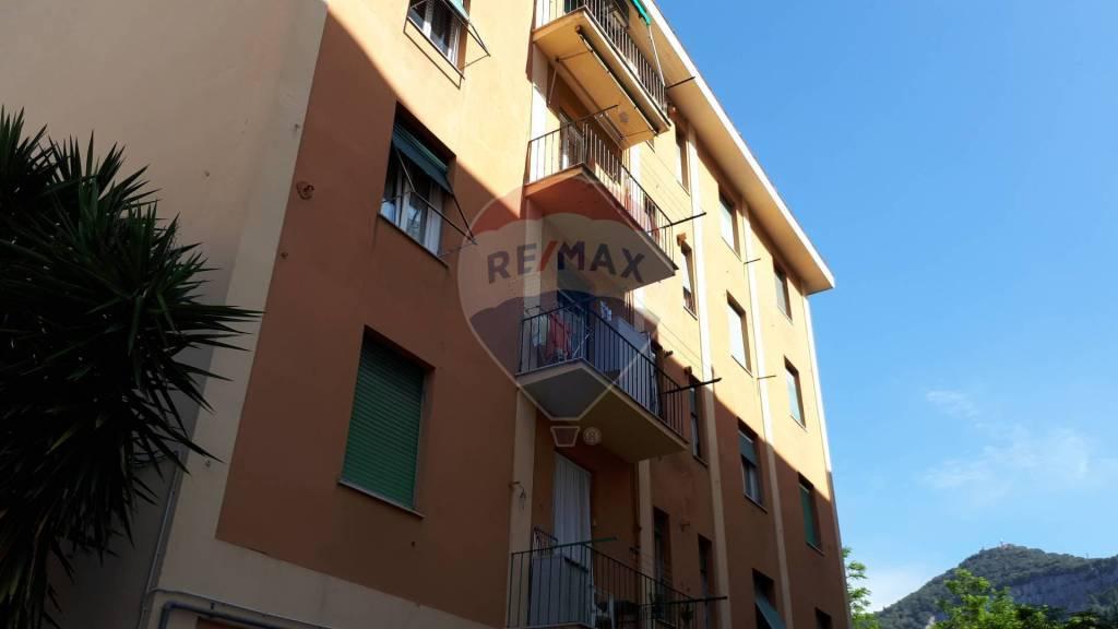 Foto 1 di Trilocale via San Giovanni Battista 51, Genova (zona Sestri Ponente)