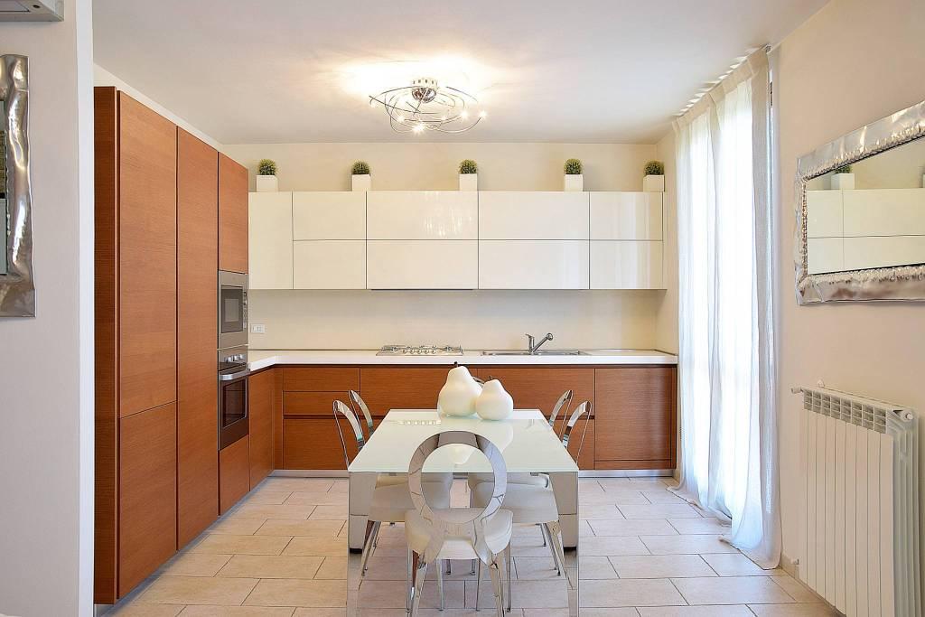 Appartamento in vendita via Vincenzo Bellini 26 Busnago