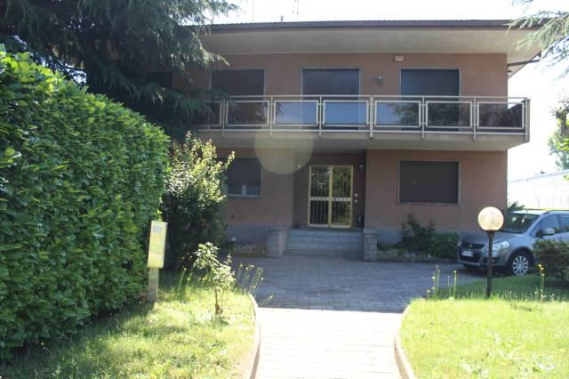 Appartamento in buone condizioni in affitto Rif. 6107091