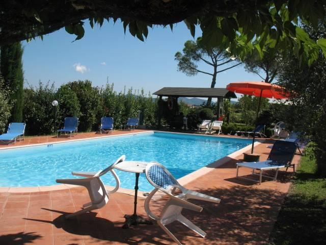 Rustico in Vendita a Castiglione Del Lago: 5 locali, 370 mq