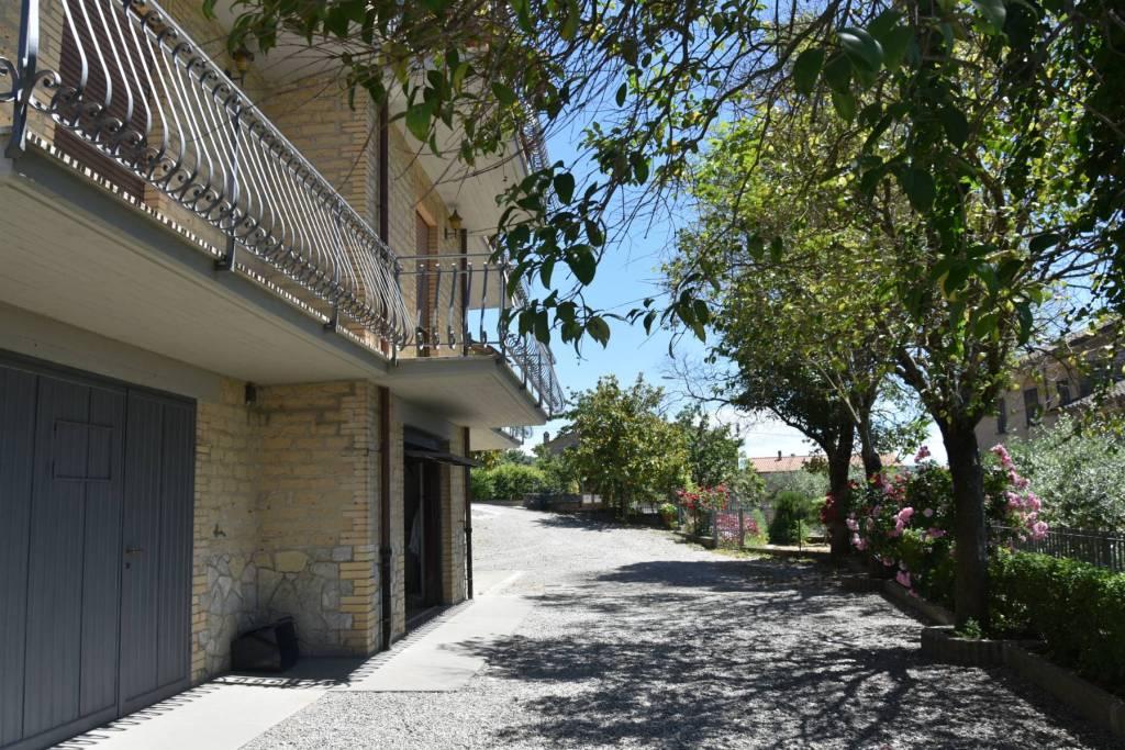 Appartamento in Vendita a Montegabbione Centro:  5 locali, 130 mq  - Foto 1