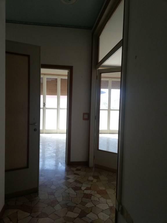 Appartamento in vendita a Viadana, 8 locali, Trattative riservate | CambioCasa.it