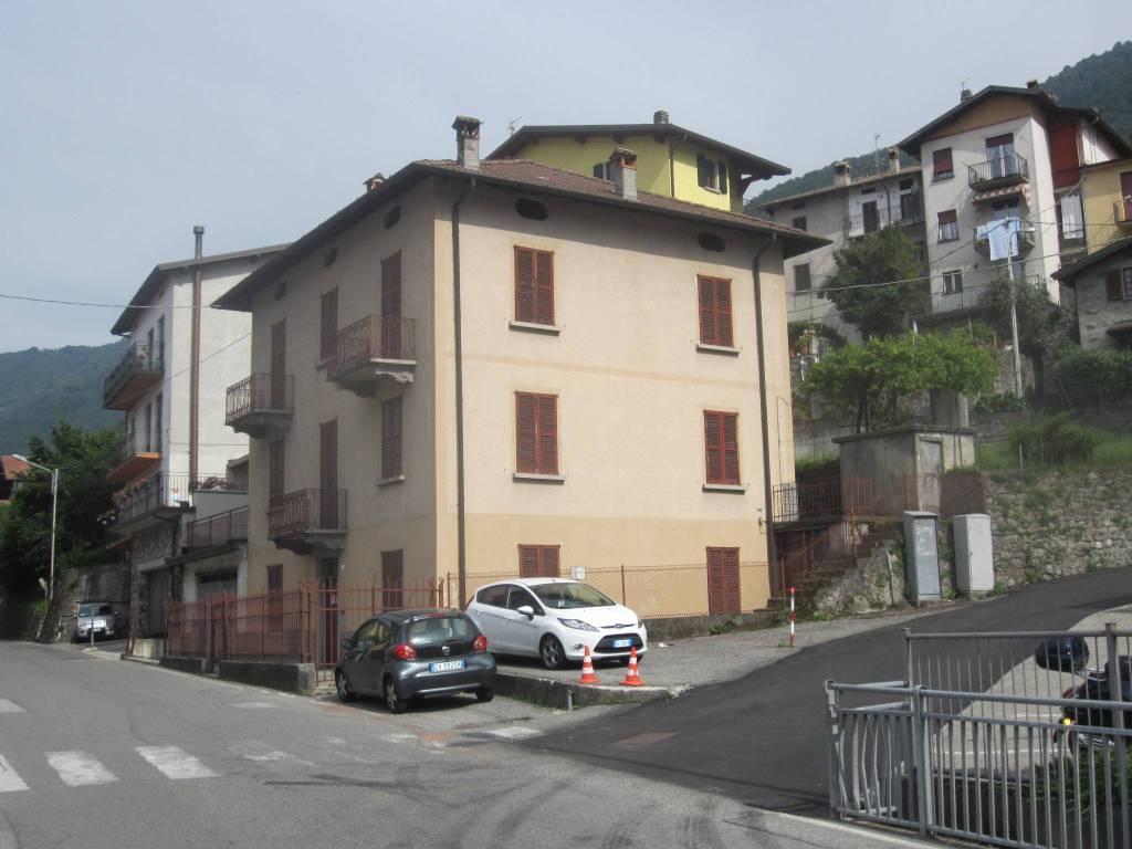 Immobile Commerciale in vendita a Lezzeno, 6 locali, prezzo € 285.000 | PortaleAgenzieImmobiliari.it