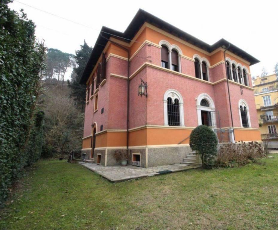 Foto 1 di Villa via Cino da Pistoia, Bologna