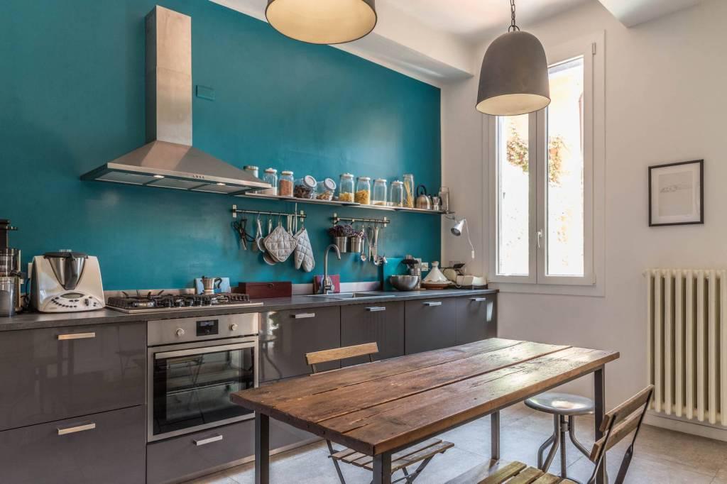 Foto 1 di Appartamento via Frassinago, Bologna (zona Costa Saragozza/Saragozza)