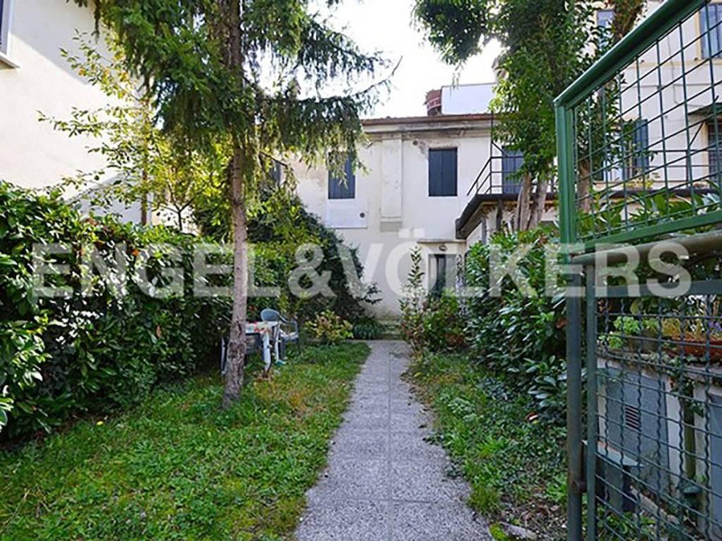 Appartamento da ristrutturare in vendita Rif. 8627881