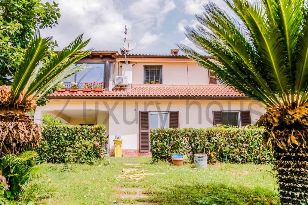 Villa in vendita a Sacrofano, 8 locali, prezzo € 599.000   CambioCasa.it