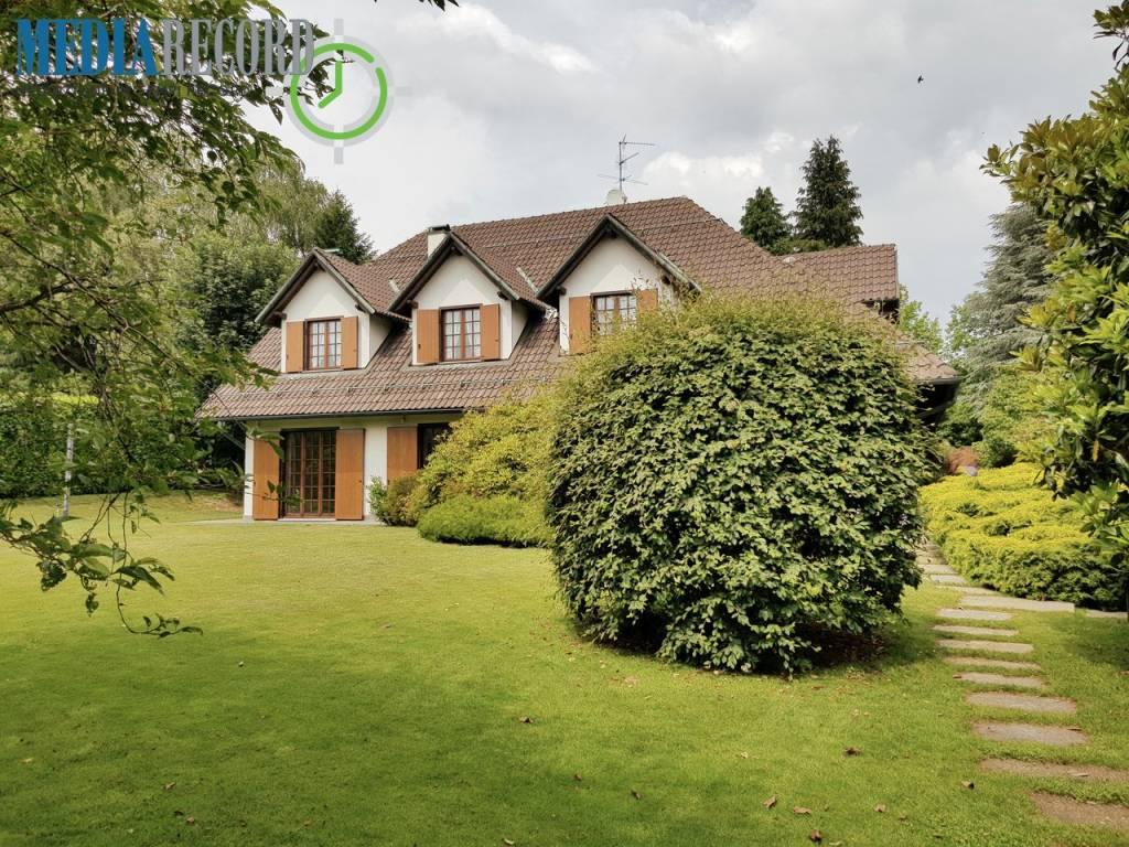 Villa in vendita a Appiano Gentile, 7 locali, prezzo € 850.000 | PortaleAgenzieImmobiliari.it