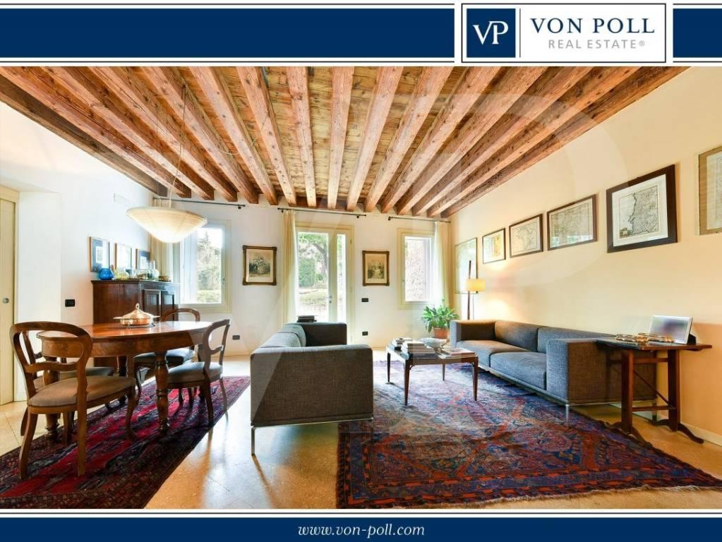 Villa in vendita a Vicenza, 11 locali, Trattative riservate | CambioCasa.it