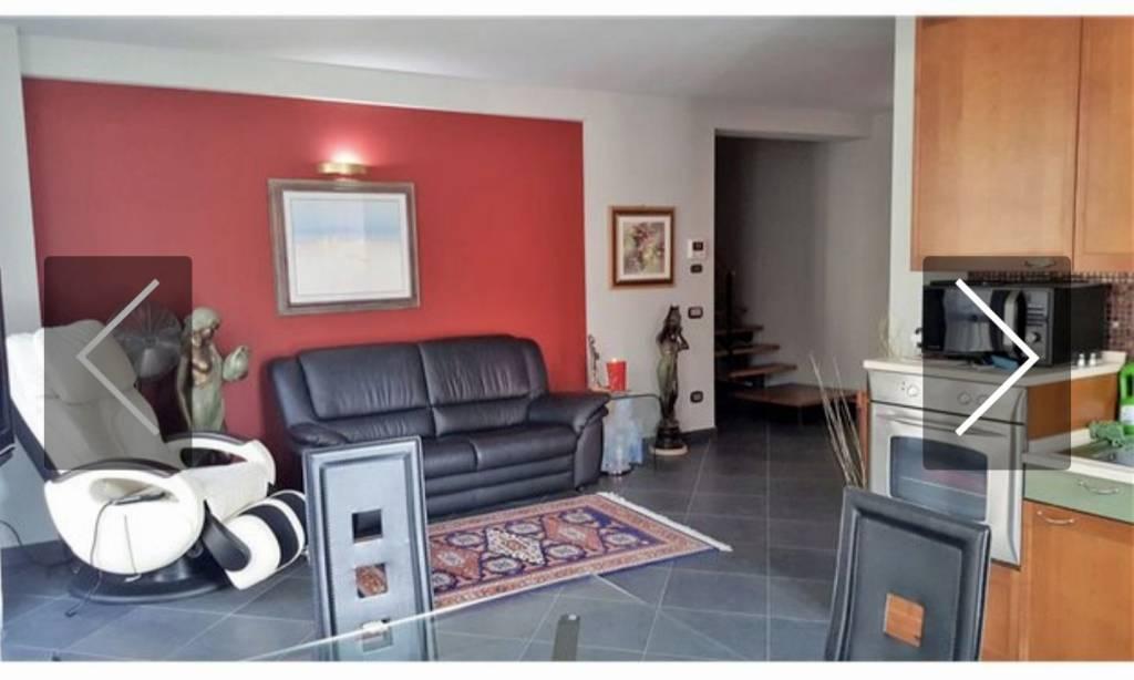 Appartamento in affitto a Arona, 4 locali, prezzo € 1.250 | PortaleAgenzieImmobiliari.it