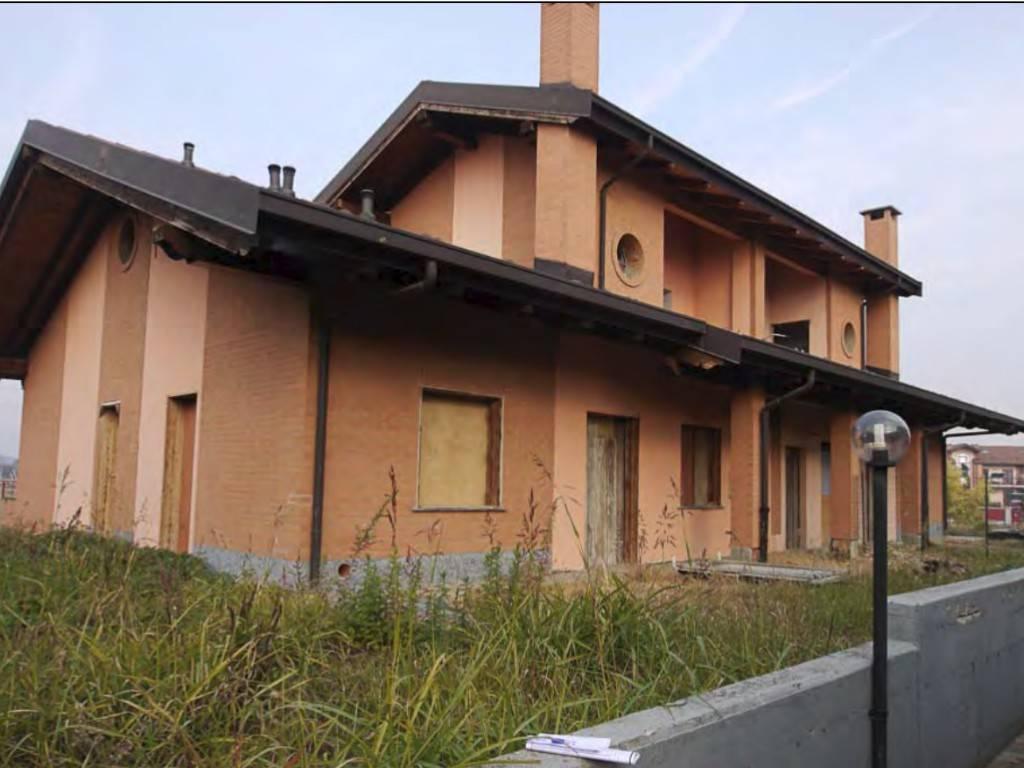Villa in vendita a Candiolo, 12 locali, prezzo € 185.000 | PortaleAgenzieImmobiliari.it