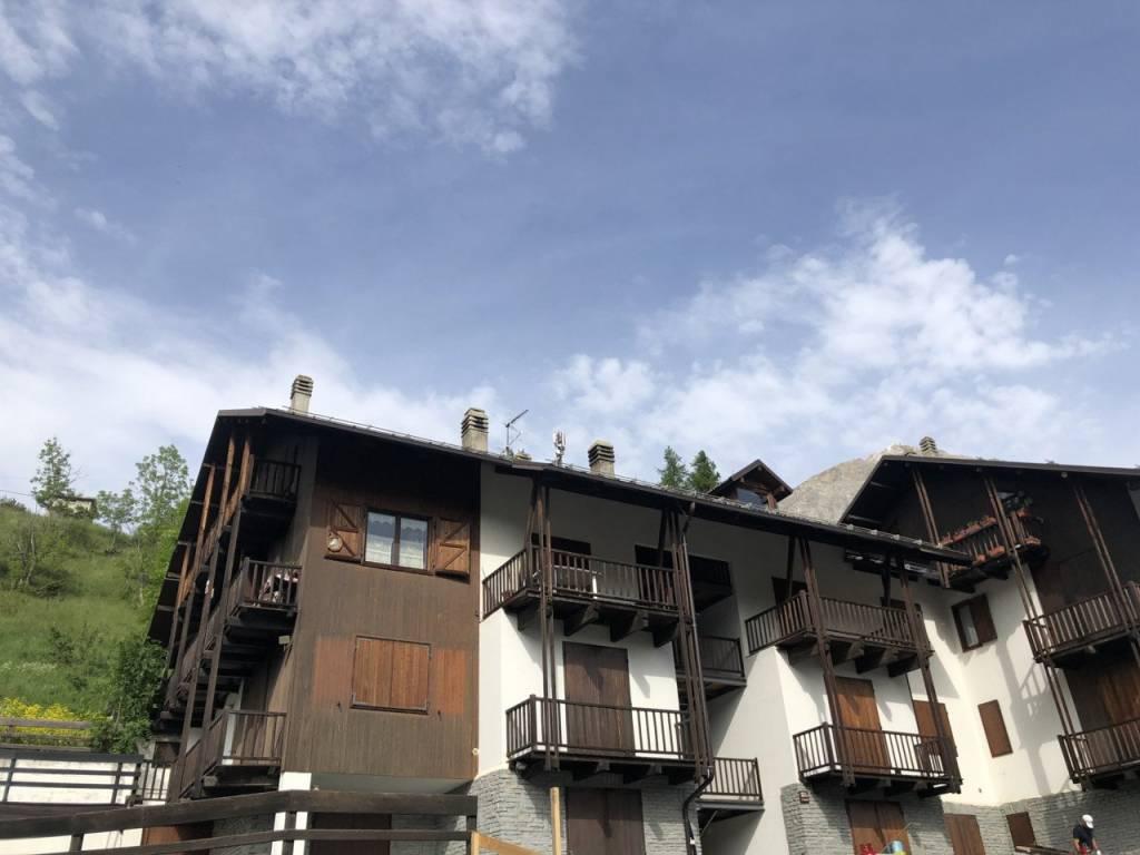 Foto 1 di Trilocale viale Bouvier 12, Cesana Torinese