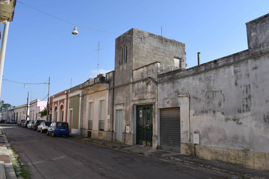 Appartamento quadrilocale in vendita a Calimera (LE)