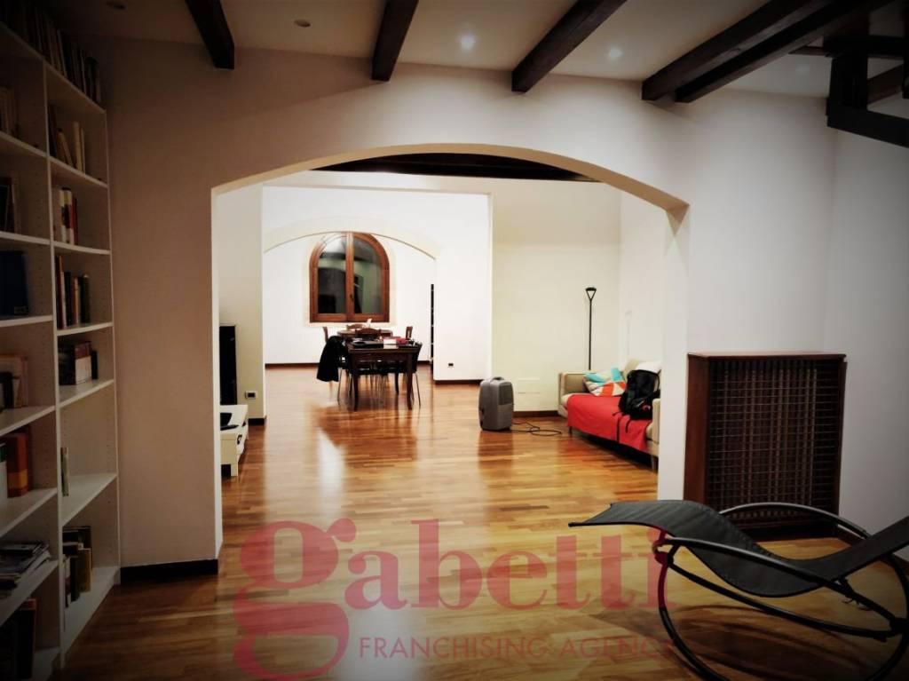 Appartamento in ottime condizioni in vendita Rif. 9306537