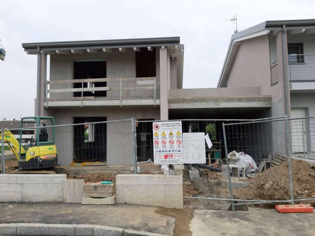 Villa in vendita a Appiano Gentile, 5 locali, prezzo € 375.000 | PortaleAgenzieImmobiliari.it