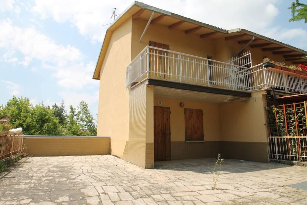 Foto 1 di Villetta a schiera via L. Calligola, frazione Monteombraro, Zocca