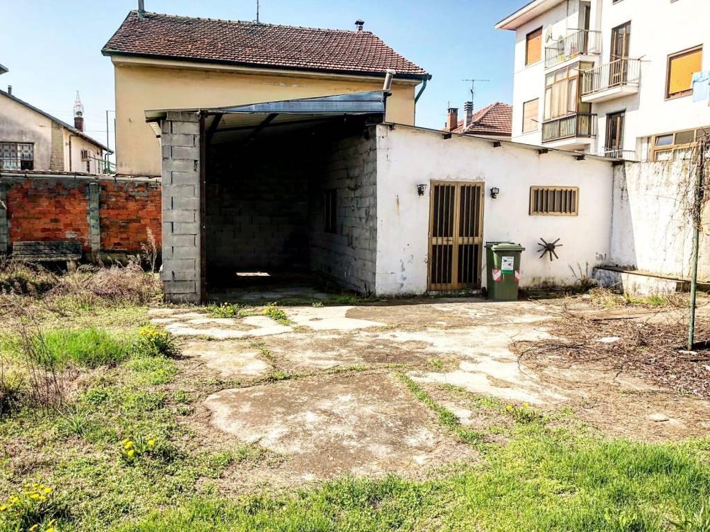 Terreno in vendita via Monviso Nichelino