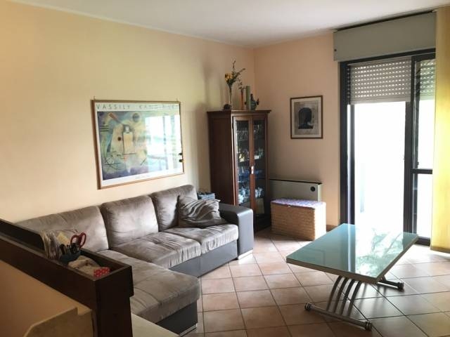 Appartamento in ottime condizioni in vendita Rif. 6951923