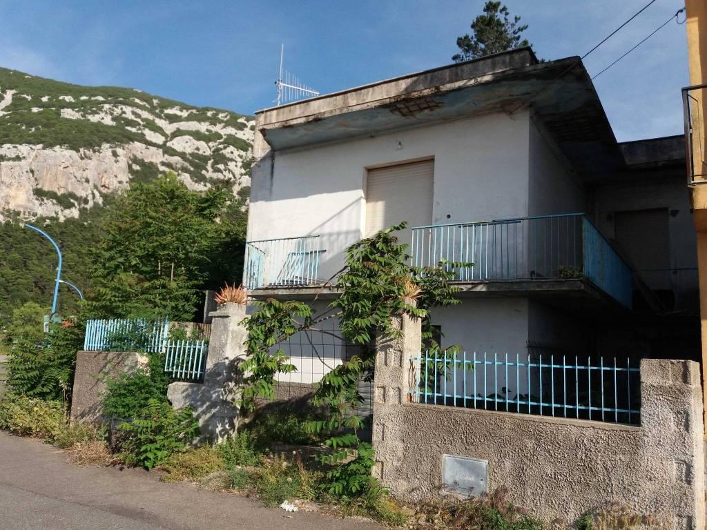Appartamento in vendita a Dorgali, 3 locali, prezzo € 80.000 | PortaleAgenzieImmobiliari.it