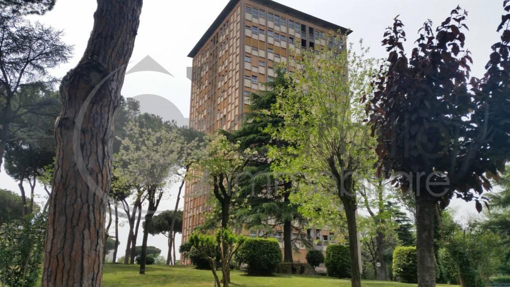 Ufficio / Studio in vendita a Roma, 6 locali, zona Zona: 22 . Eur - Torrino - Spinaceto, prezzo € 800.000 | CambioCasa.it