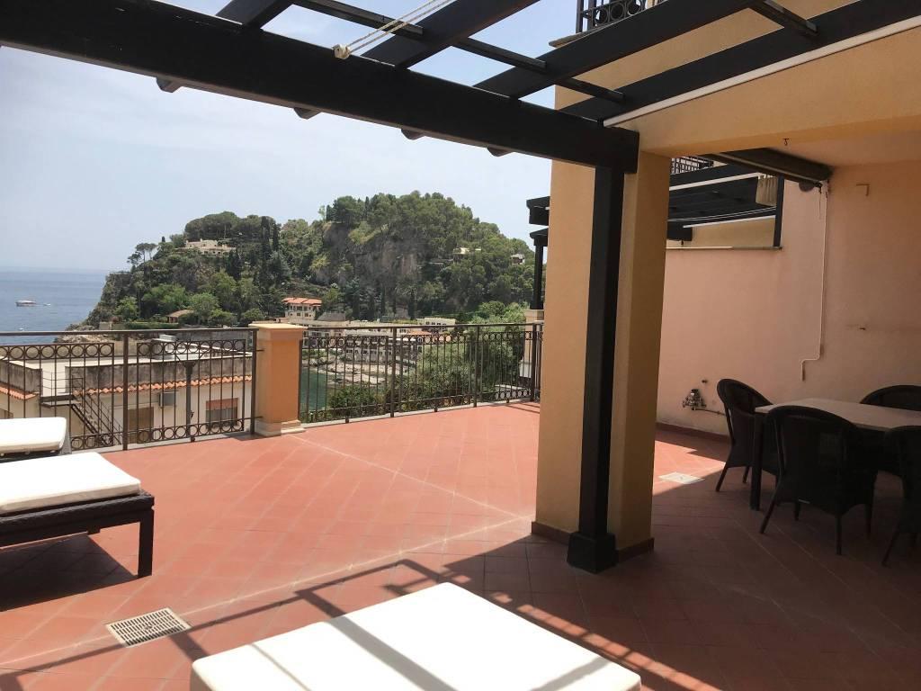 Foto 1 di Trilocale via Nazionale 238/B, Taormina