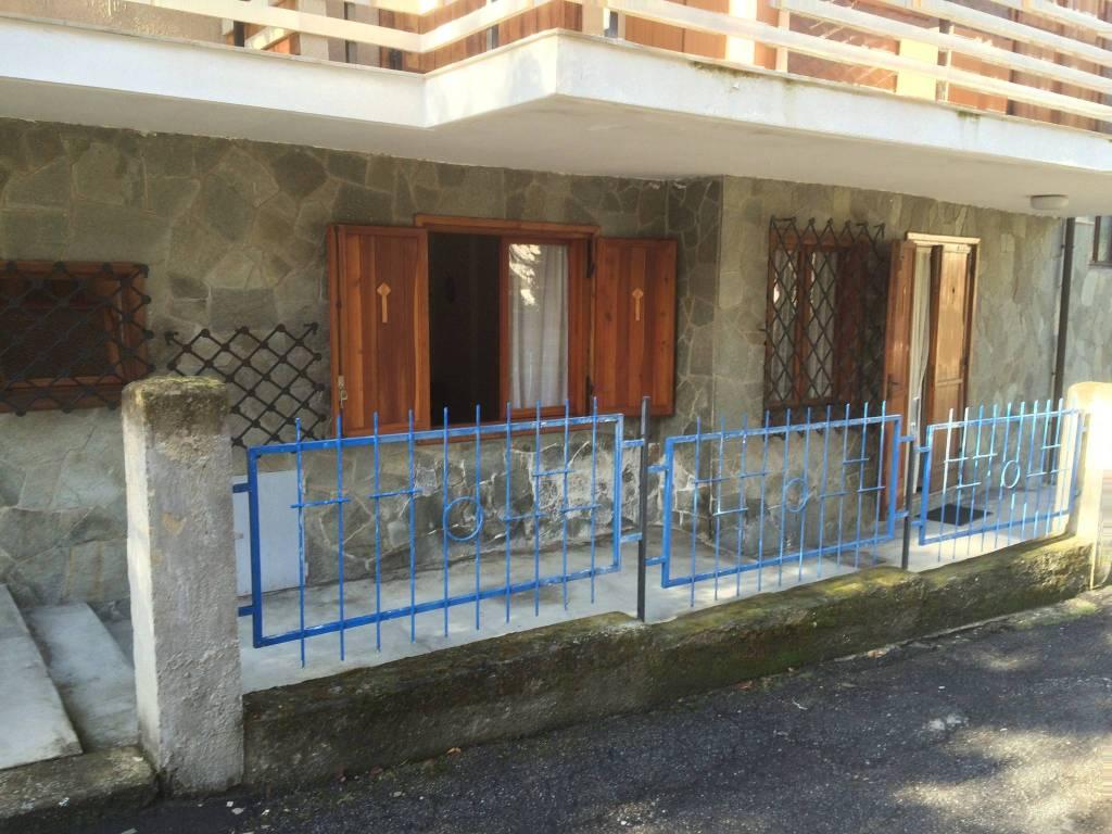 Foto 1 di Bilocale via Villaggio Edelweiss 9, Gravere