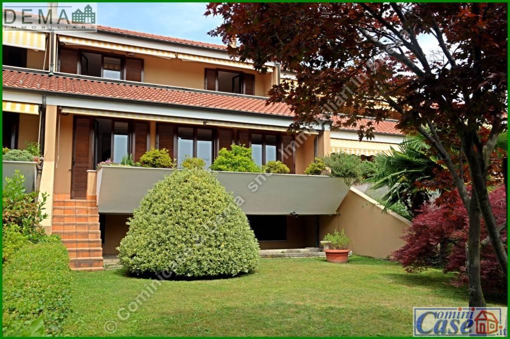 Villa a Schiera in vendita a Lesa, 3 locali, prezzo € 300.000 | PortaleAgenzieImmobiliari.it