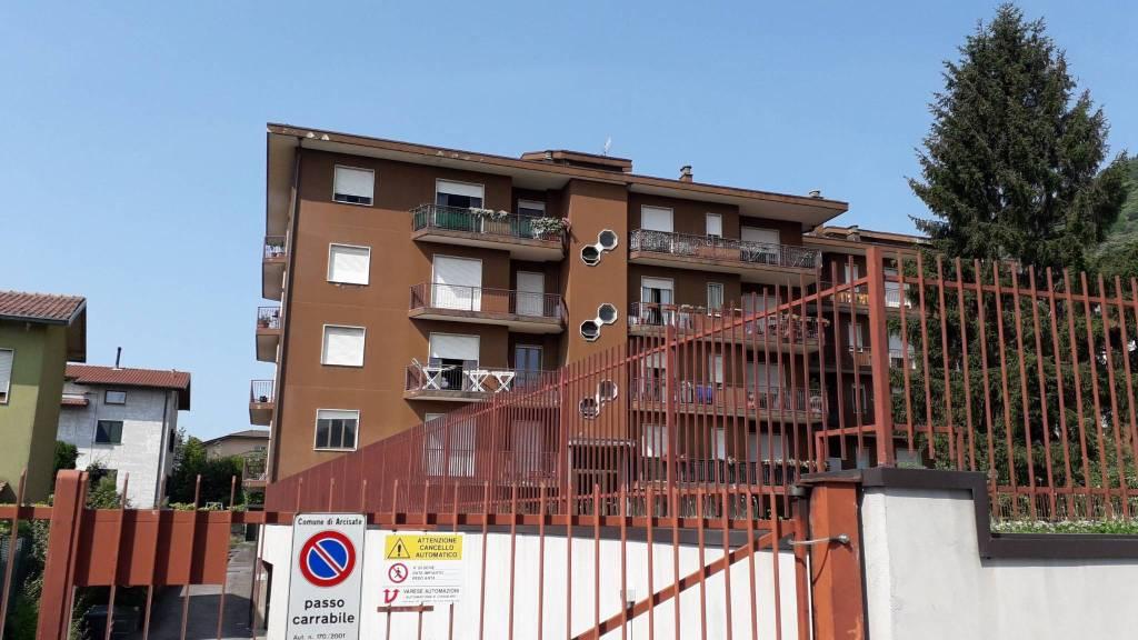 Appartamento in vendita a Arcisate, 2 locali, prezzo € 85.000 | CambioCasa.it