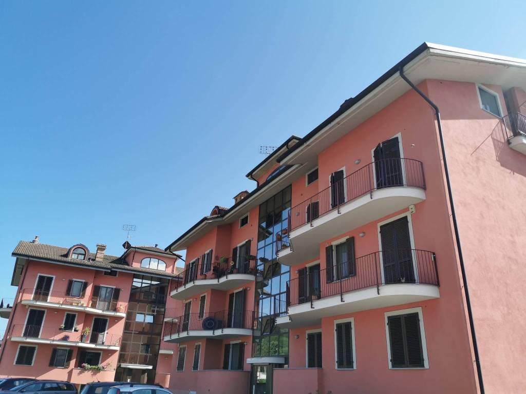 Foto 1 di Quadrilocale via Visconti Venosta 180/c, Bra