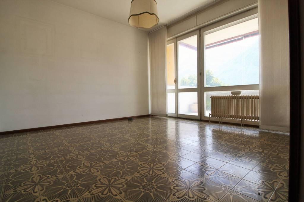 Appartamento da ristrutturare in vendita Rif. 7567472