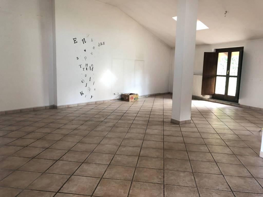 Appartamento in ottime condizioni in vendita Rif. 8286002