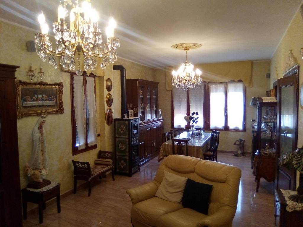 Villa in vendita a Boretto, 4 locali, prezzo € 300.000 | PortaleAgenzieImmobiliari.it