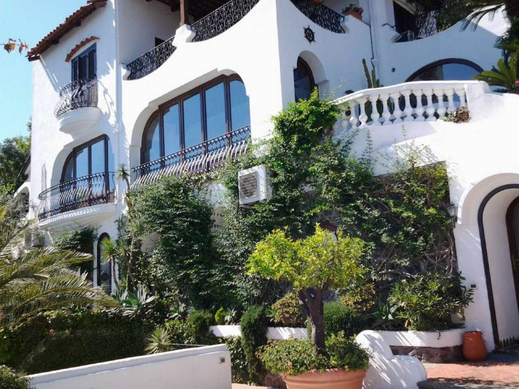 Villa in vendita a Ischia, 15 locali, prezzo € 2.500.000 | CambioCasa.it