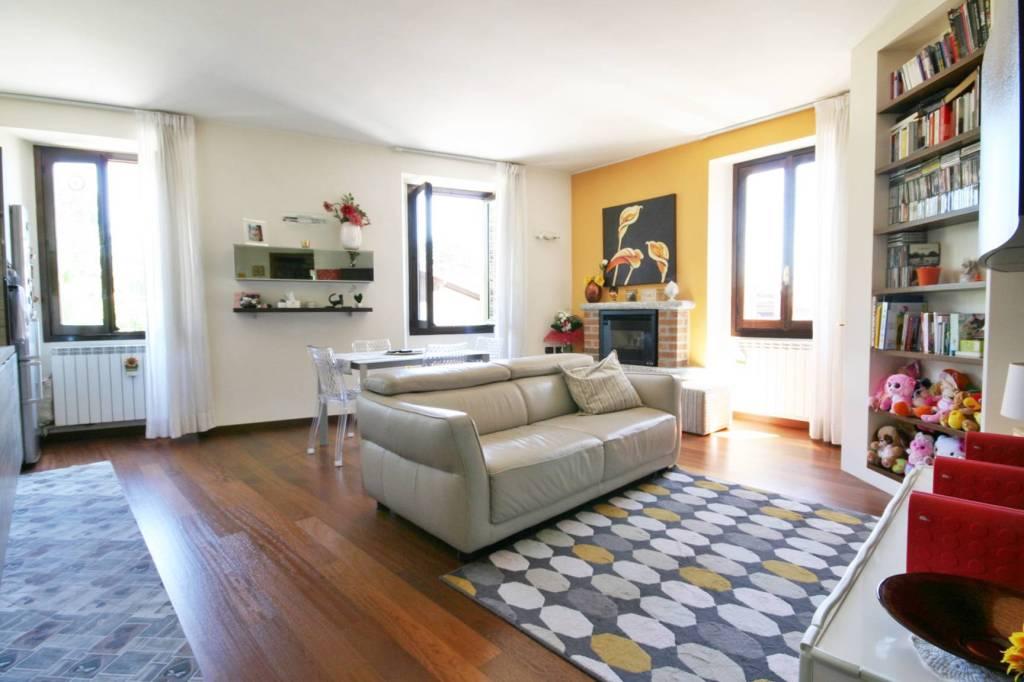 Appartamento in vendita a Erba, 3 locali, prezzo € 120.000 | PortaleAgenzieImmobiliari.it