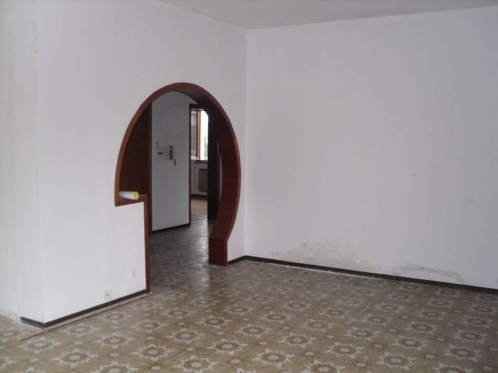 Appartamento in vendita a Seriate, 3 locali, prezzo € 160.000 | PortaleAgenzieImmobiliari.it