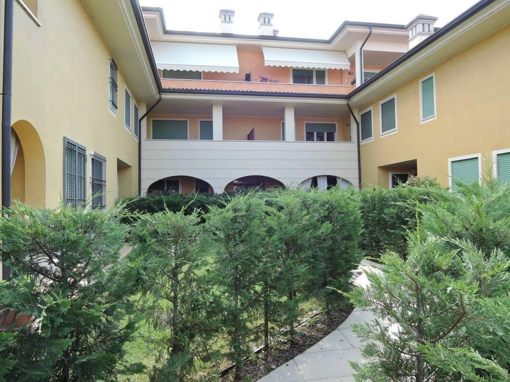 Appartamento in vendita a Travagliato, 3 locali, prezzo € 125.000 | CambioCasa.it