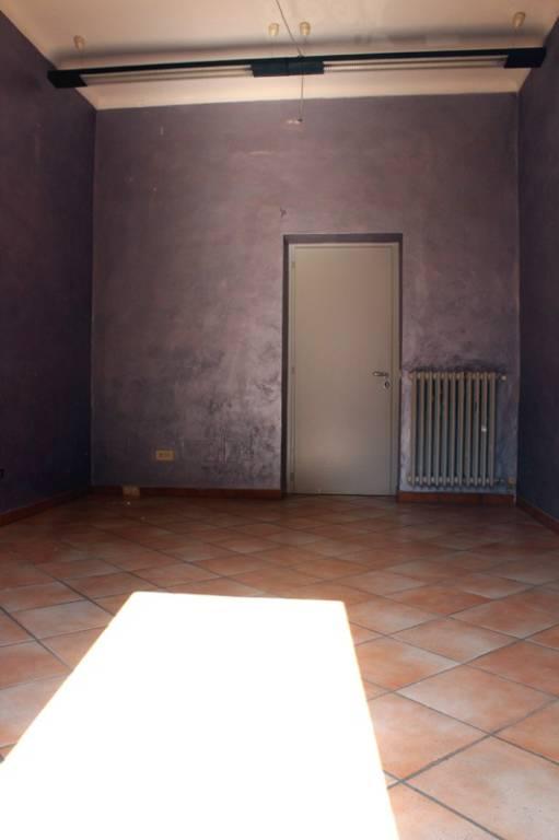 Ufficio / Studio in affitto a Alba, 3 locali, prezzo € 650 | PortaleAgenzieImmobiliari.it