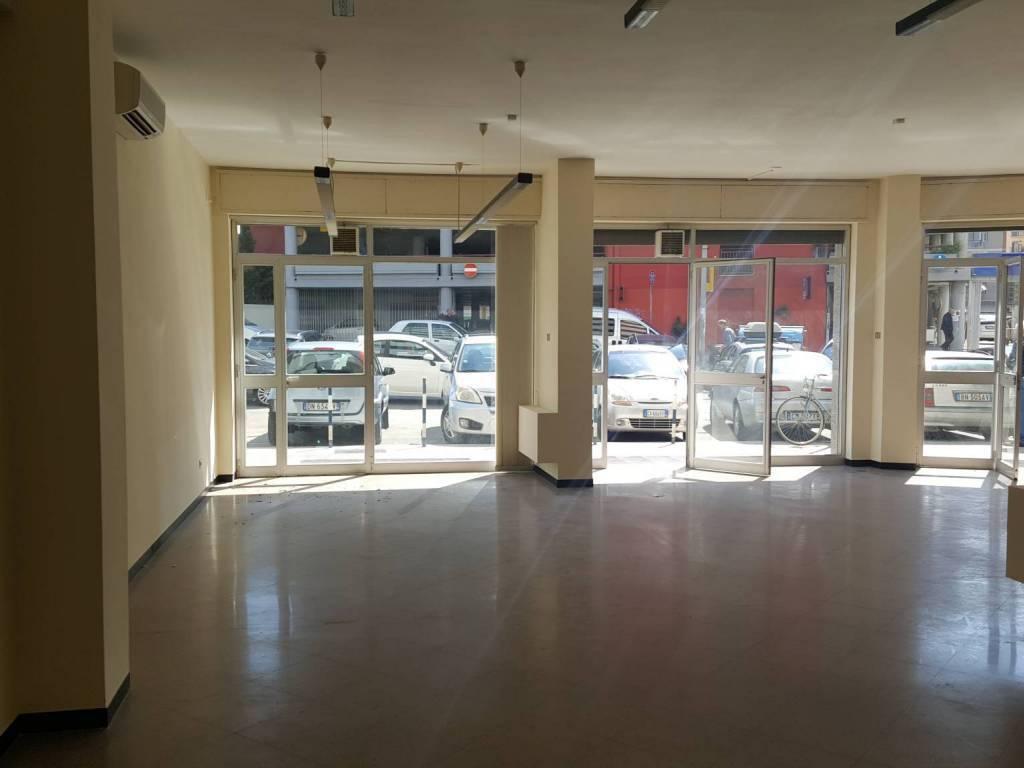 Picone- Locale commerciale 3 vetrine Rif. 8426678