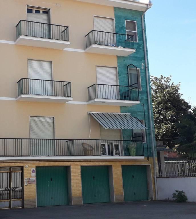 Appartamento in vendita a Santhià, 4 locali, prezzo € 35.000 | CambioCasa.it