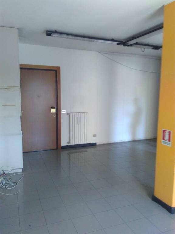 Ufficio / Studio in affitto a Bergamo, 2 locali, prezzo € 600 | CambioCasa.it