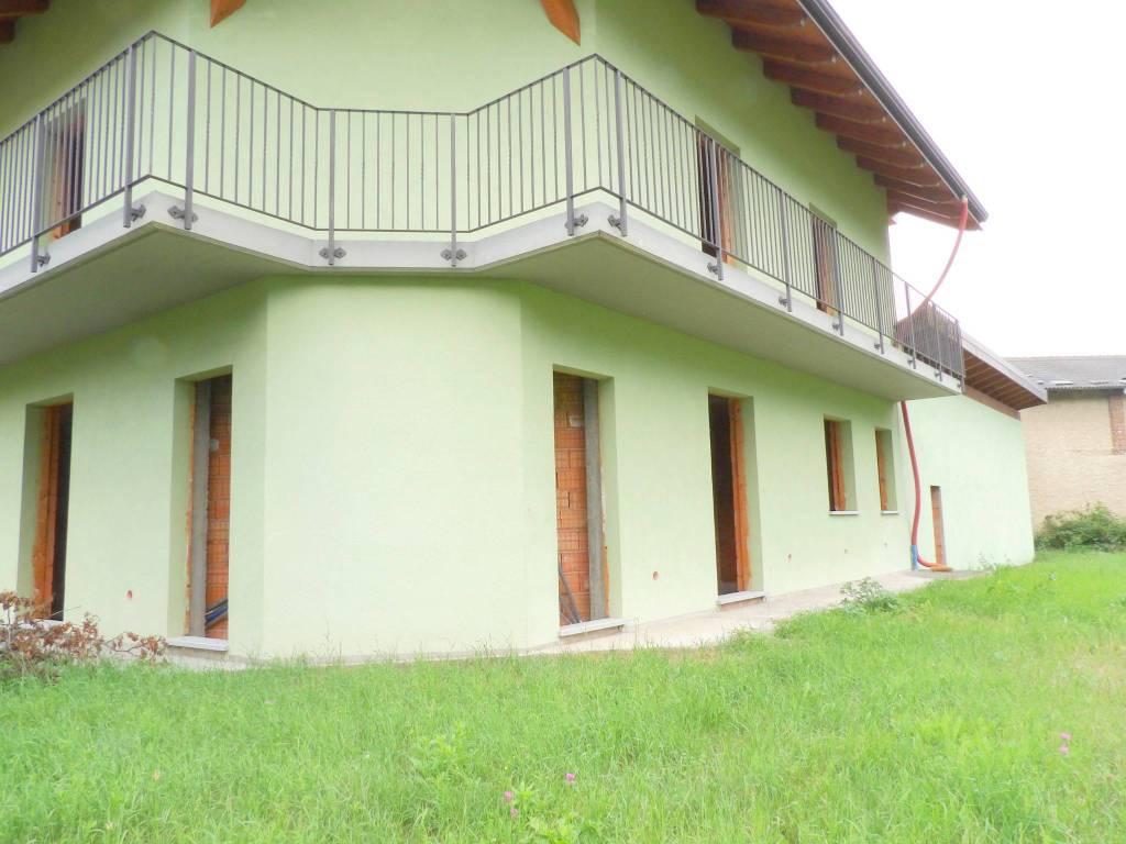 Foto 1 di Villa via Umberto I 1O, Villar Focchiardo