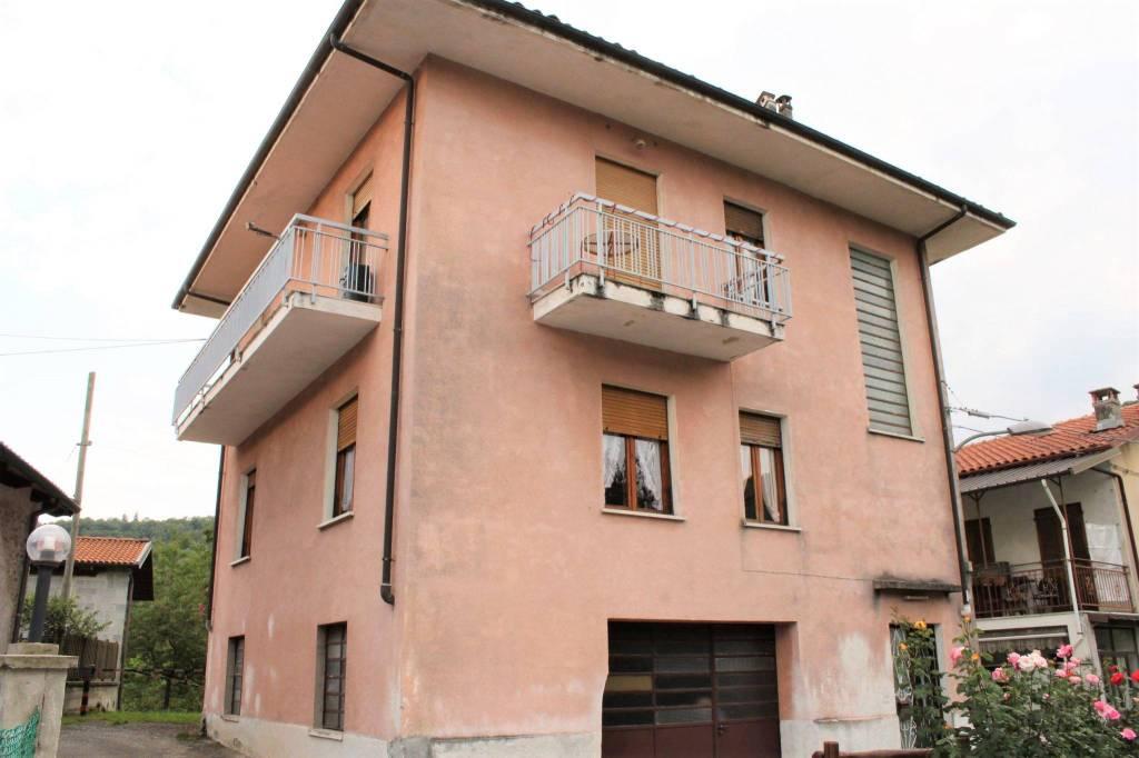 Foto 1 di Casa indipendente via Campo, Castelnuovo Nigra