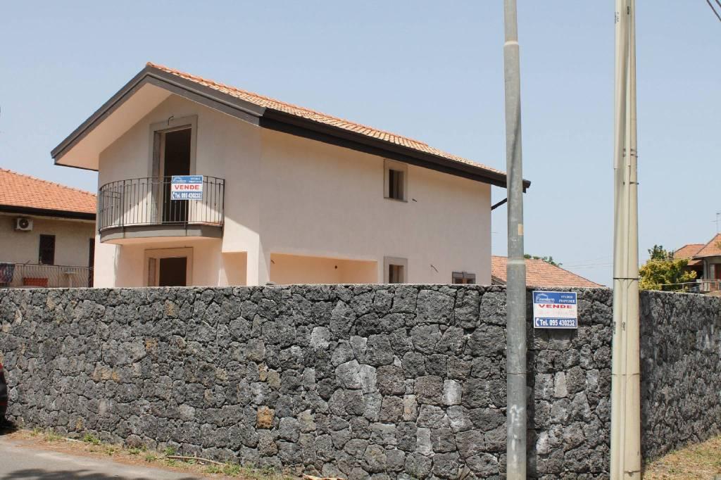 Villa in Vendita a San Giovanni La Punta Centro: 5 locali, 200 mq