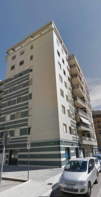 Appartamento in Vendita a Foggia Semicentro: 3 locali, 95 mq
