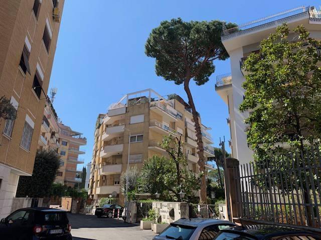 Appartamento in vendita a Roma, 6 locali, prezzo € 760.000   CambioCasa.it