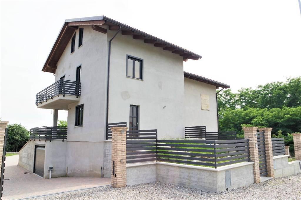 Foto 1 di Villa Montalenghe
