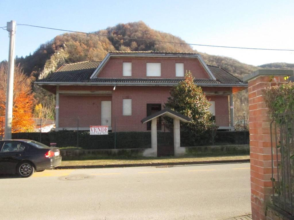 Villa in vendita a Roccavione, 8 locali, prezzo € 110.000 | PortaleAgenzieImmobiliari.it