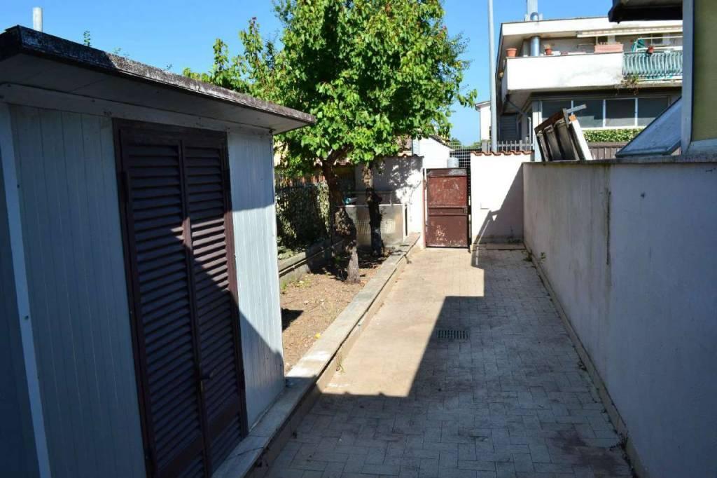 Appartamento in vendita a Roma, 1 locali, zona Zona: 38 . Acilia, Vitinia, Infernetto, Axa, Casal Palocco, Madonnetta, prezzo € 59.000 | CambioCasa.it